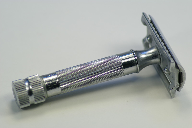 Merkur_heavy_duty_safety_razor-Stiljournalen