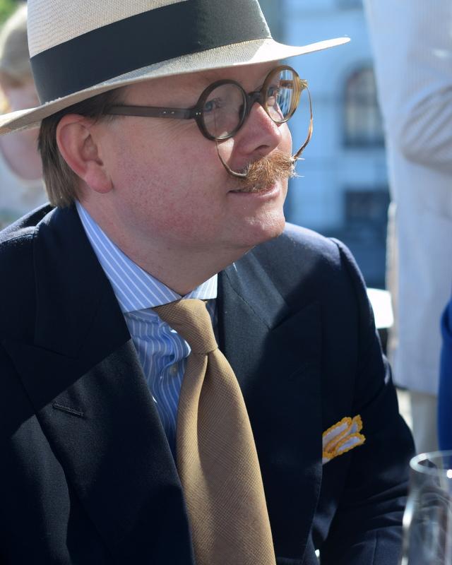 Jimmy-Borsalinohat-overskæg-sartorielt-topmøde-Stiljournalen