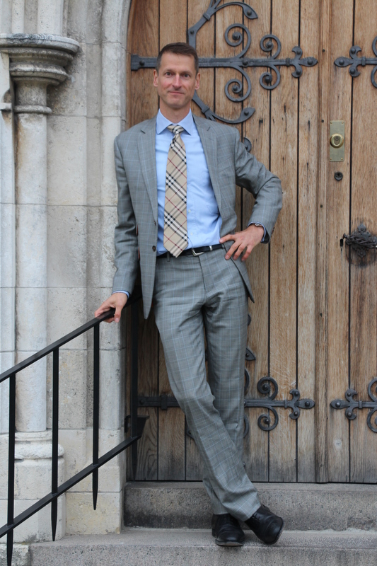Carsten-lysegrå-jakkesæt-Stiljournalen