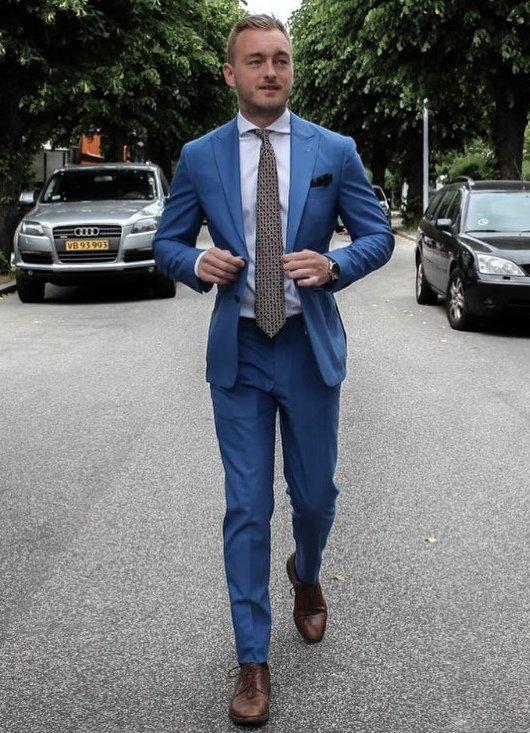 modens tegn kongeblå jakkesæt