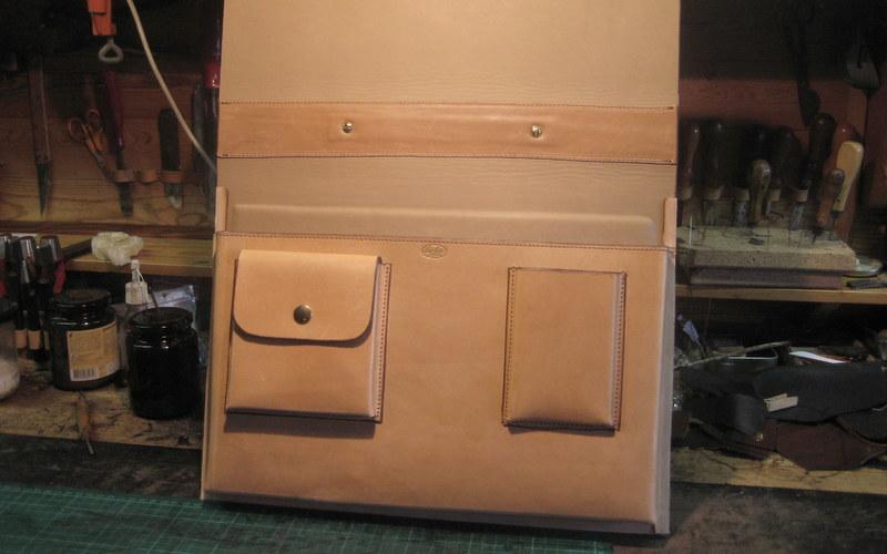 dokumentmappe og computertaske af laederhaandvaerker hans_oester til_torsten grunwald