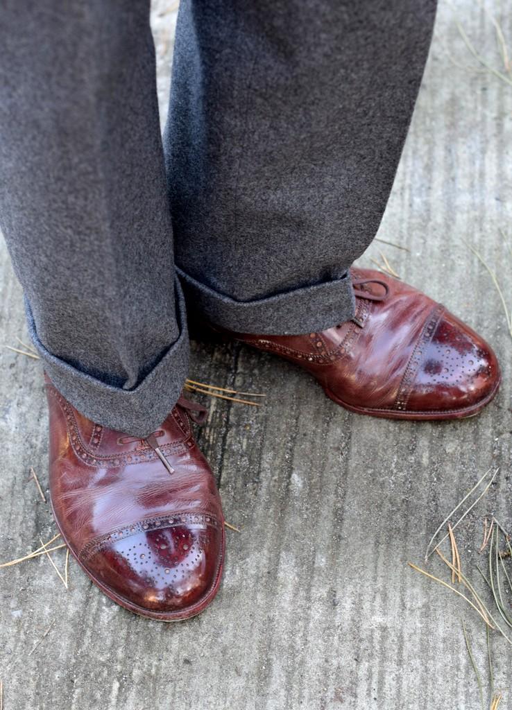 graa flannelsbukser brune laedersko jeppe_af_torsten_grunwald