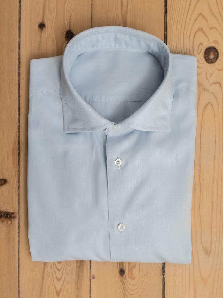 Folde skjorte og pakke skjorte - sådan gør du