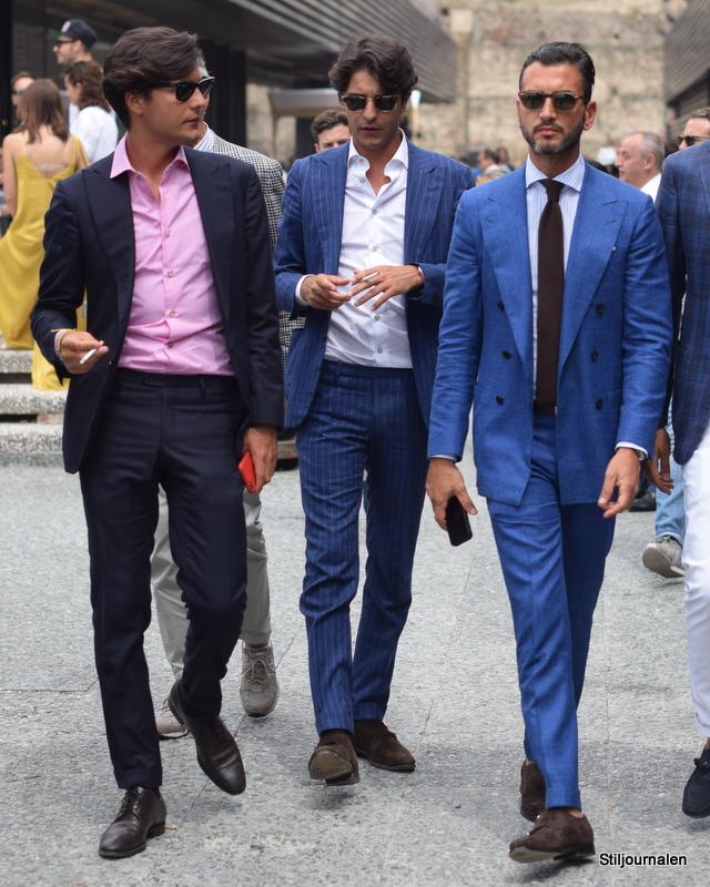Blå jakkesæt