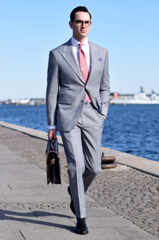 Jakub-gråt-jakkesæt-Stiljournalen