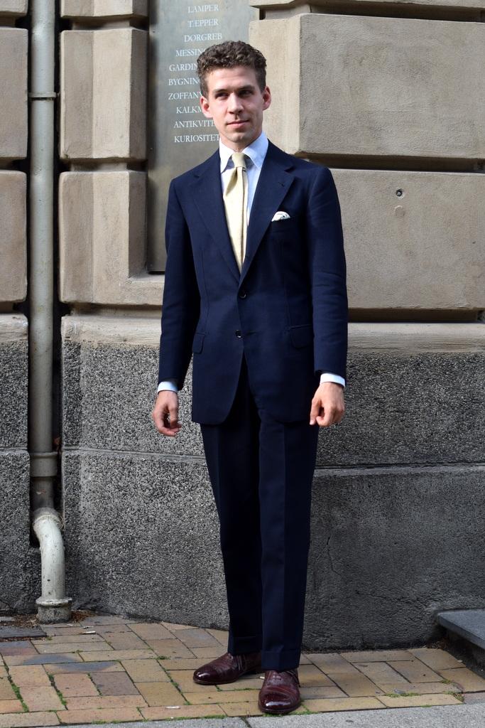 Jeppe_i_skræddersyet_jakkesæt_af_Torsten_Grunwald