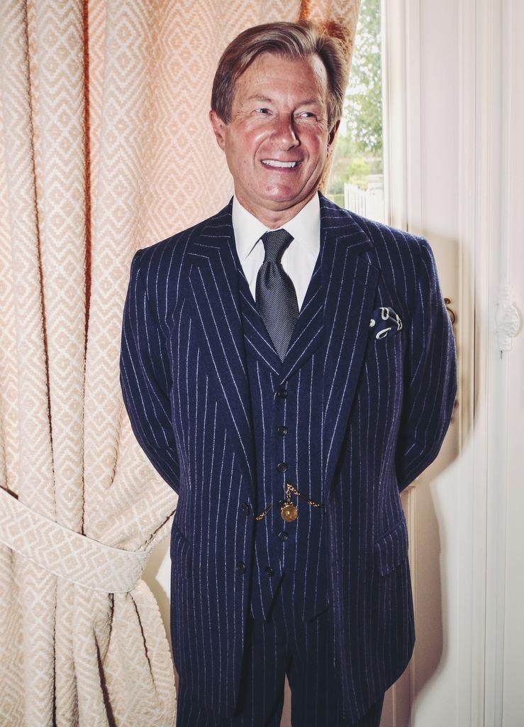 Skræddersyet jakkesæt af Malcolm Plews på Savile Row