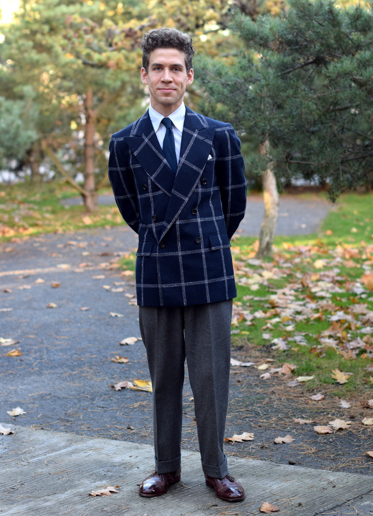 dobbeltradet jakke med graa flannelsbukser jeppe_af_torsten_grunwald