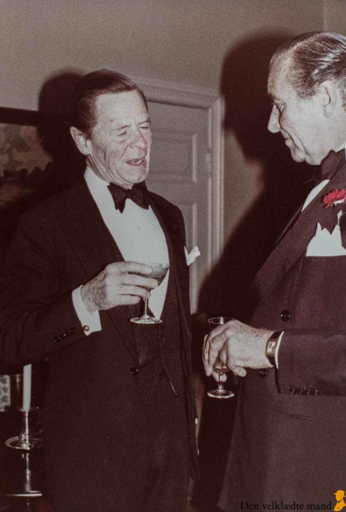 gæster hos Alfred Alm i 1978 smoking