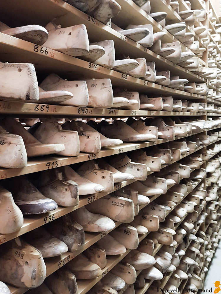 Trænaglede håndlavede sko hos Materna i Wien