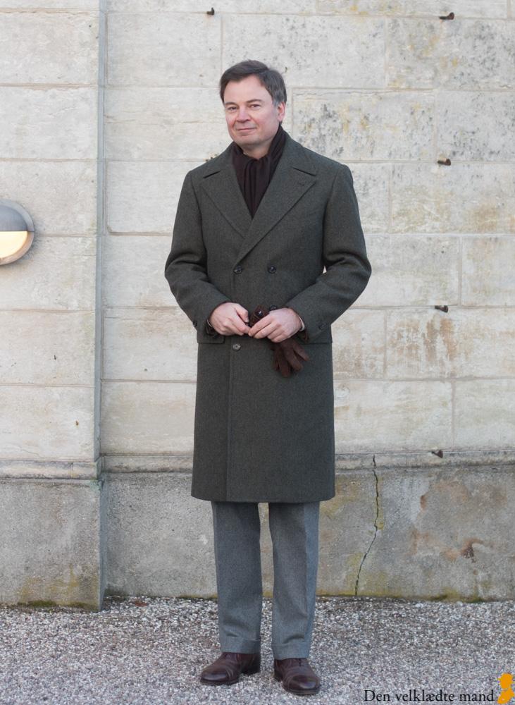 flaskegrøn frakke