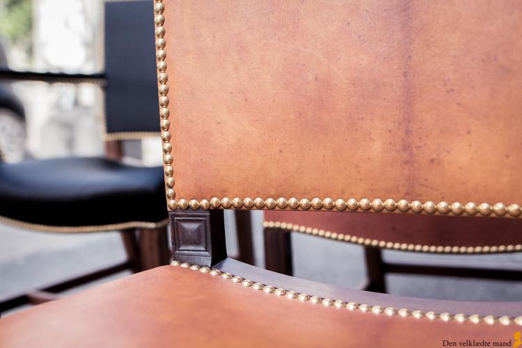 kaare klint barcelonastol den røde stol messingsøm