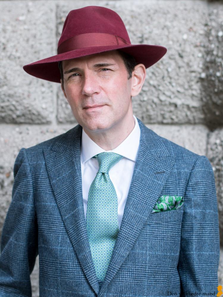 habit med vest og hat til mænd michael c. g. iversen. foto af torsten grunwald