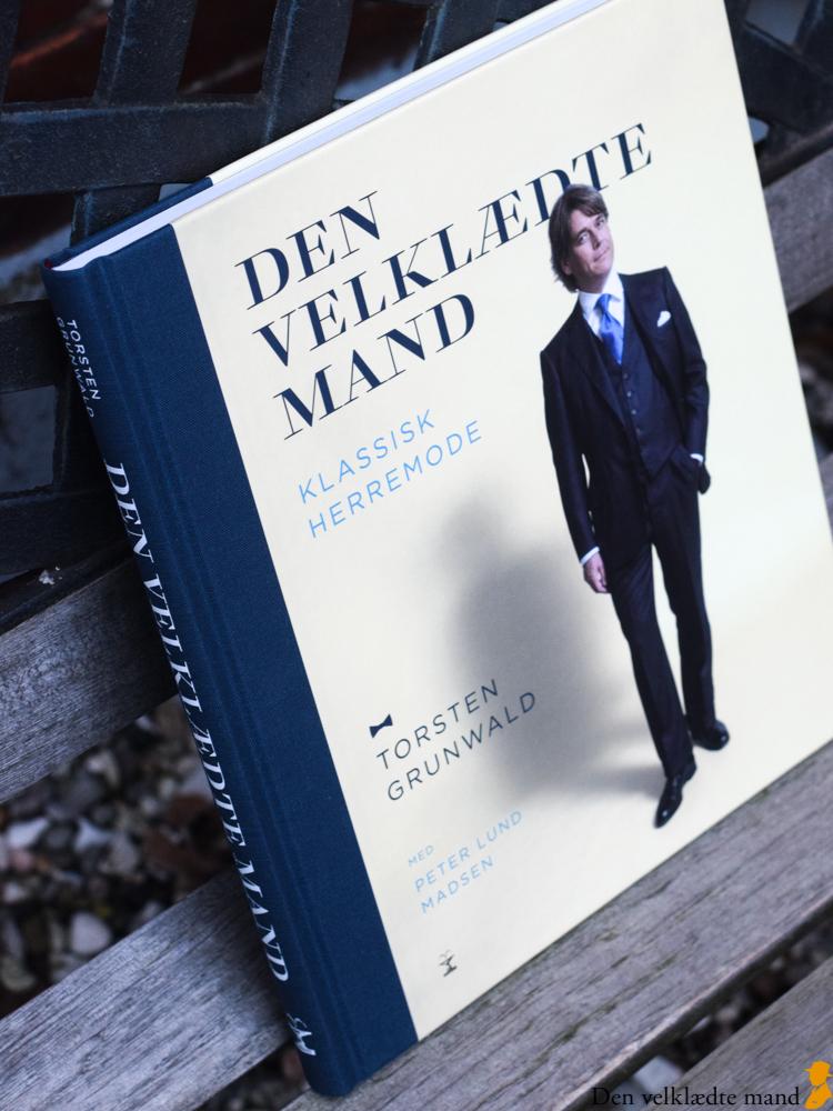 bogen den velklædte mand