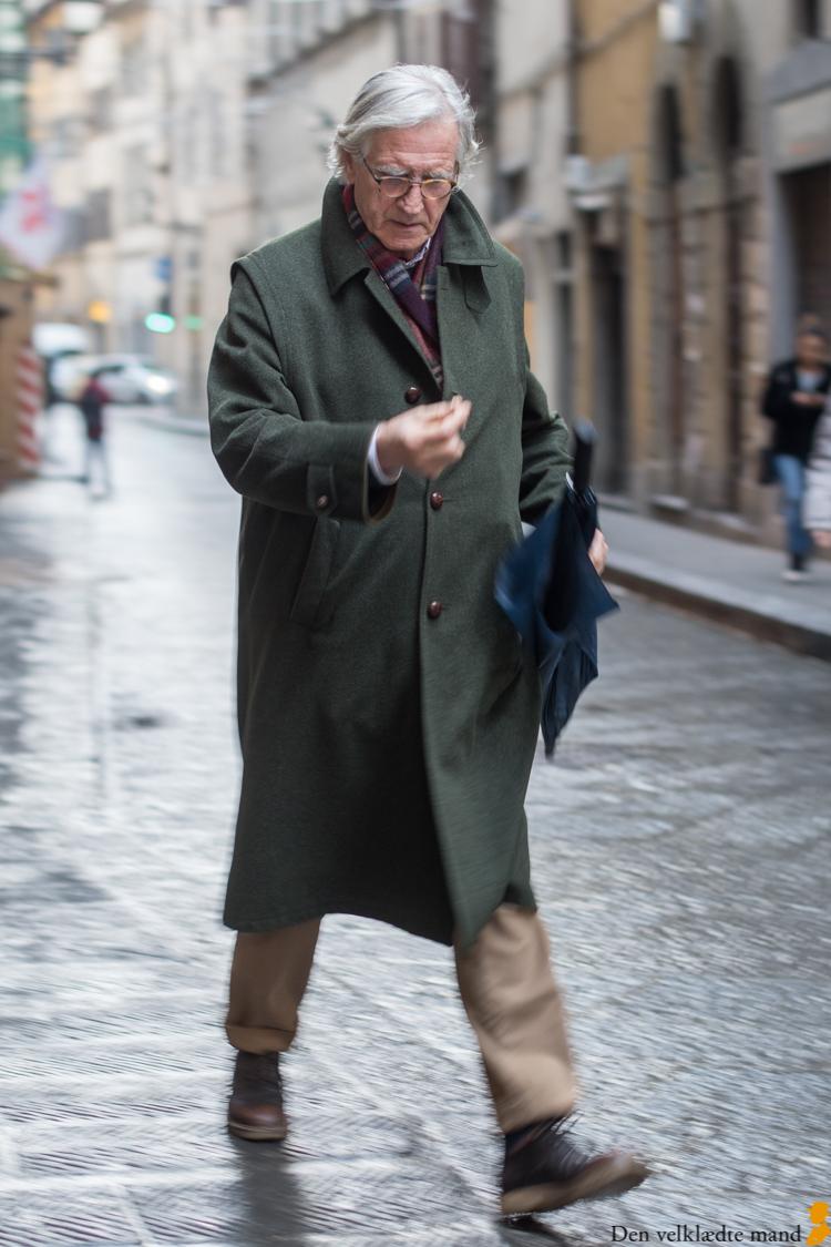 grønne frakker på gaden street fashion