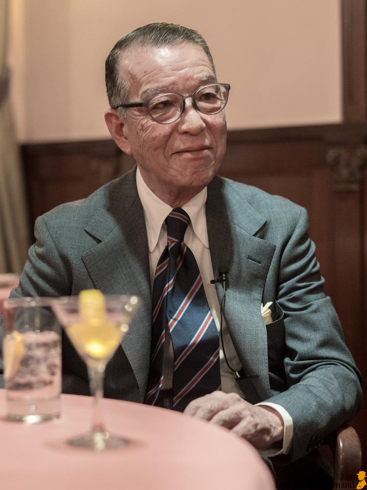 Yukio Akamine stilikon herremode