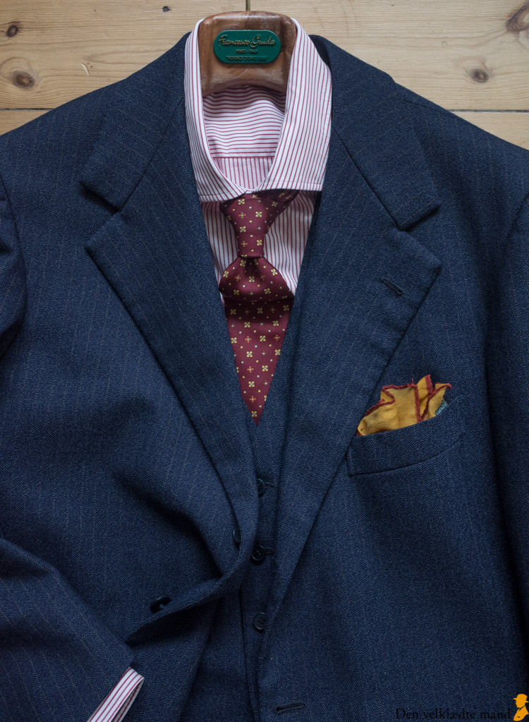 sammensætning af tøj til mænd med jakkesæt