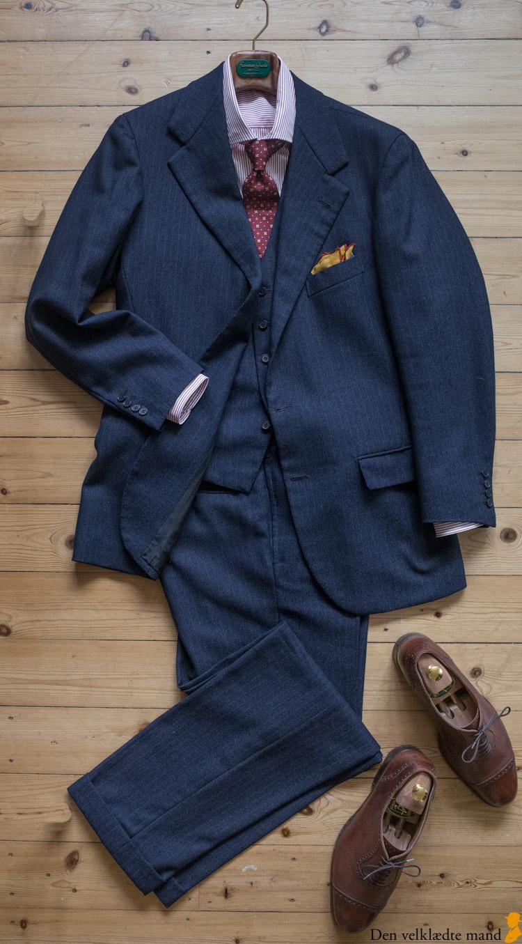 sammensætning af tøj til mænd jakkesæt