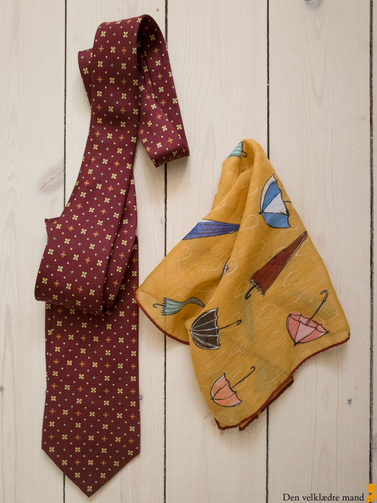 kombinere slips og lommetørklæde