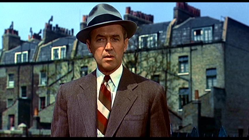 james stewart i et brunt jakkesæt i filmen