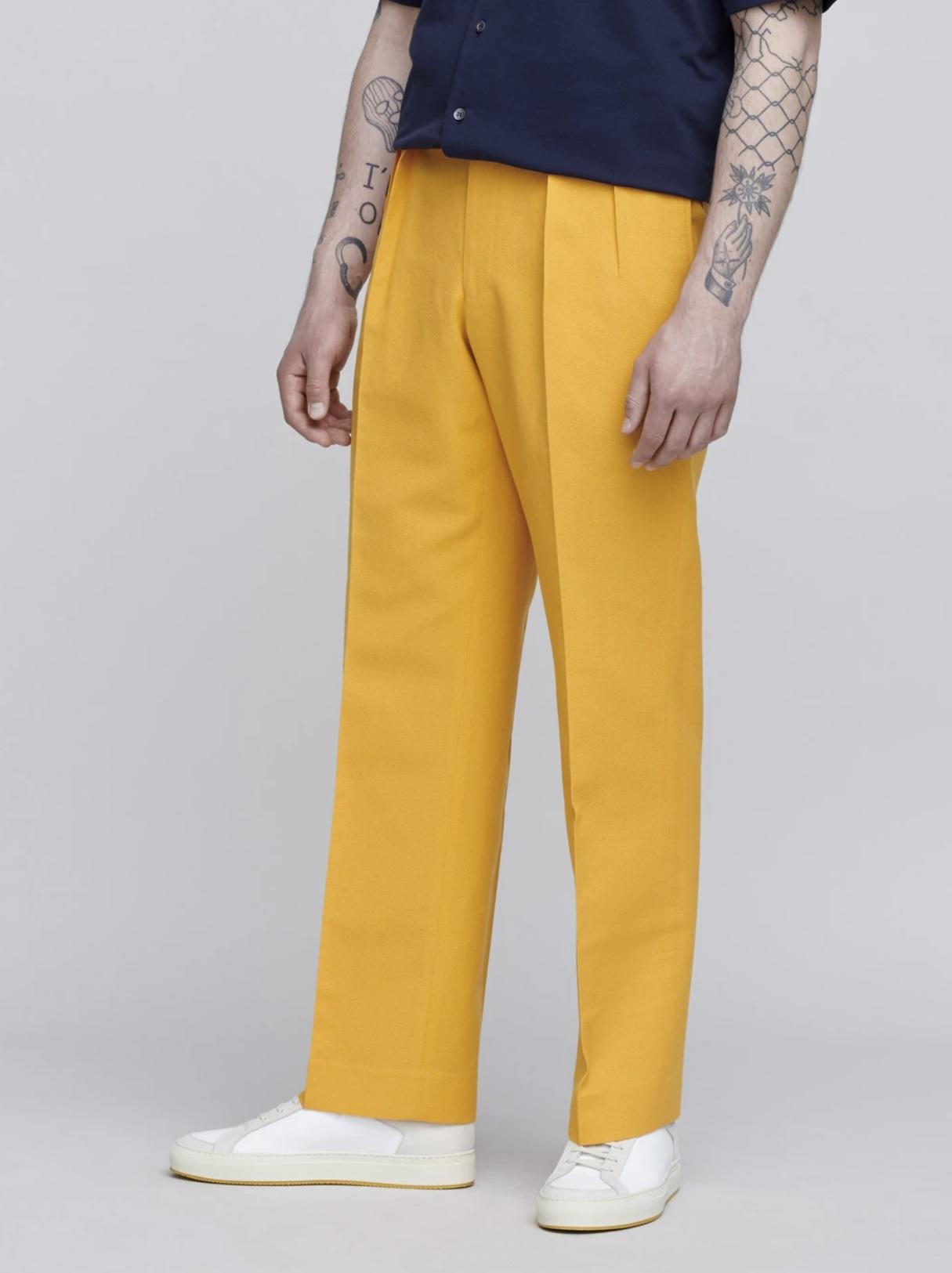 sommertøj til mænd gule bukser