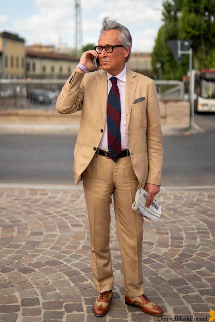 jakkesæt i khaki