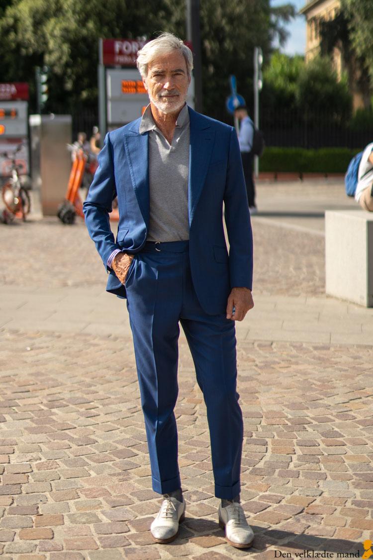 kongeblåt jakkesæt